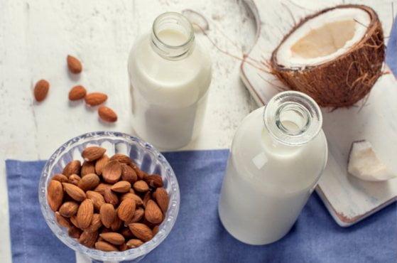 zdrowe pomysły na mleko roślinne