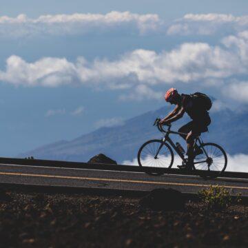 Jak przygotować rower do wakacyjnych wojaży – krótki poradnik dla zapalonych cyklistów
