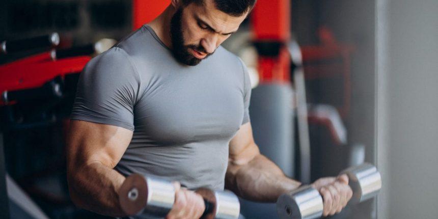 Sterydy w sportach siłowych – droga na skróty czy pokonywanie barier?